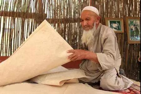 书画装裱材料_维吾尔族桑皮纸 ——一方水土,一方材料,一方文化,一方传承